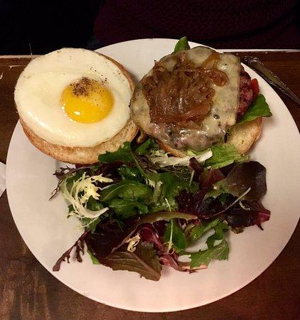 Ladyface Alehouse & Brasserie: Ladyface burger