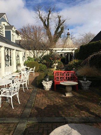 The Inn at Little Washington: Back garden area. Pretty even in the winter!