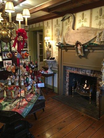 Washington, VA: The gift shop! so lovely!!