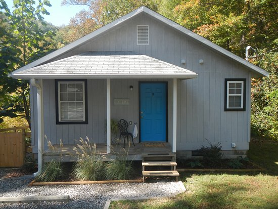 Gerton, NC: Private Cottage with fenced yard. 2BR 2BA