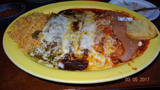 Libertyville, IL: Trio Chimichangas