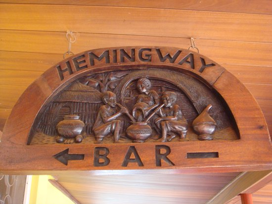 Masindi Hotel : The bar where Hemingway sat on a stool downing his favourite drinks