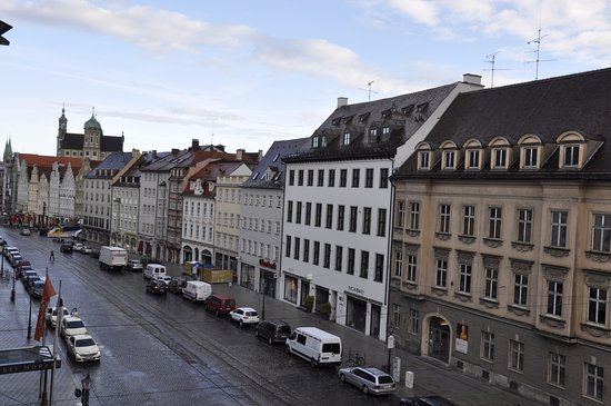 Steigenberger Hotel Drei Mohren: View from the window of the hotel