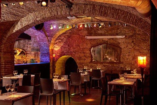 Roma reial restaurant barcelona barrio gotico barri - Hotel reial barcelona ...