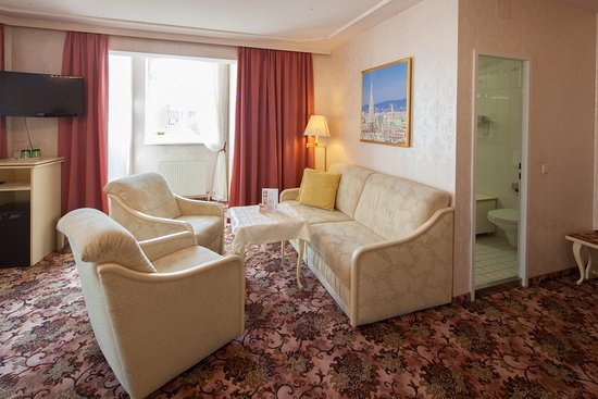 Pension Aviano: Loungearea at the Dom Suite