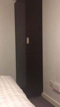 Euston Square Hotel: The world's thinnest wardrobe?