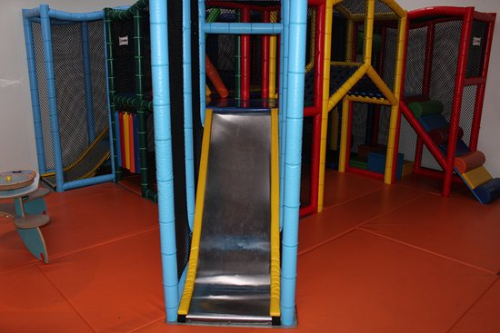 The kids soft floor play area picture of bowlo leisure for Floor kids review