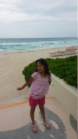 Crown Paradise Club Cancun: Bonitos momentos en el hotel crown p.