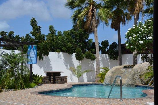 Juanedu Suites: pool