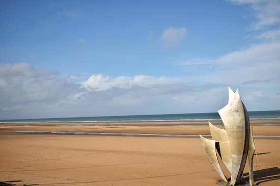 Omaha Beach: Omaha D-Day memorial