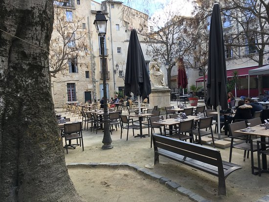 terrasse et place de r ve photo de pizzeria la. Black Bedroom Furniture Sets. Home Design Ideas
