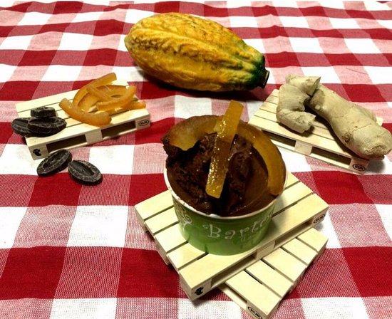 Gelateria Bartocci: Cioccolato allo zenzero con scorzette d'arancia