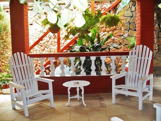 Trinidad de Cuba: Esta es parte de la terraza de nuestra casa.