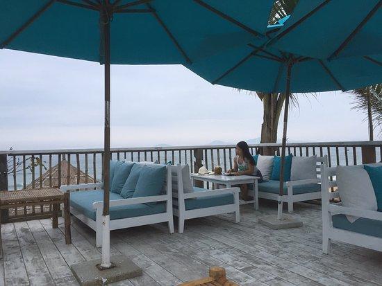 The DeckHouse An Bang Beach: Cool spot in An Bang beach