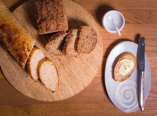 Landgasthof zur Linde: Hausgebackenes Brot, auch Glutenfrei