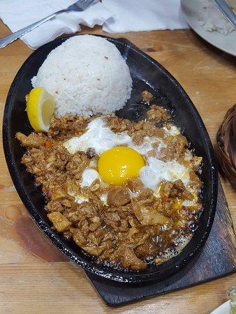 Cucina Cafeteria: Ummm... otro delicioso plato a base de carne, huevo y arroz