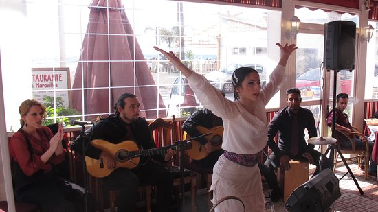 Las maravillas: A skillful and athletic dancer who displays heart and emotion.