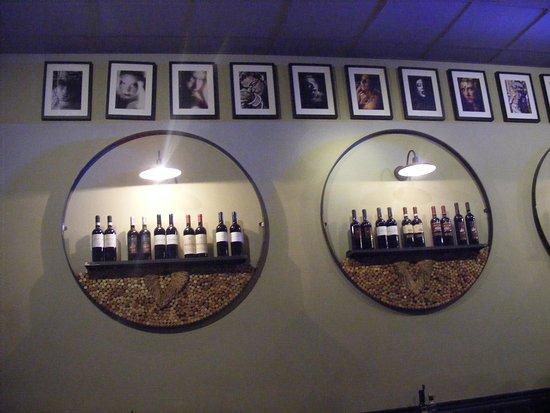Enoteca Barberini: mise en valeur des vins géniale