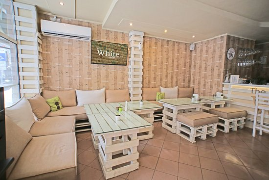 The White Coffee Bar: Suitable for big events or small casual meetings with friends or clients