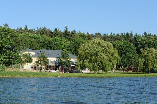 """Restaurant """"Strandhaus am Inselsee"""": Außenansicht"""