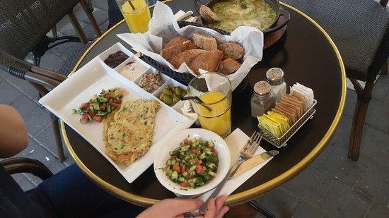 Finjan: Breakfast