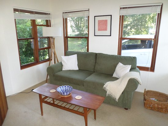 Blackheath, Australien: Comfortable, private lounge area facing awy from the house
