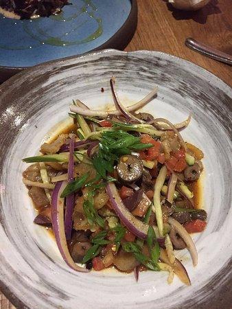 Kyirisan: Offal salad