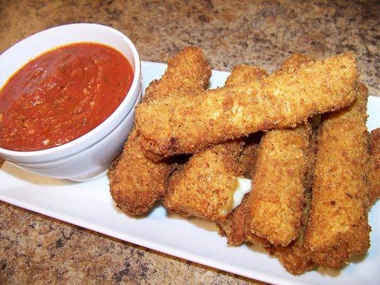 Happy Jacks Restobar: Mozzarella Cheese Sticks