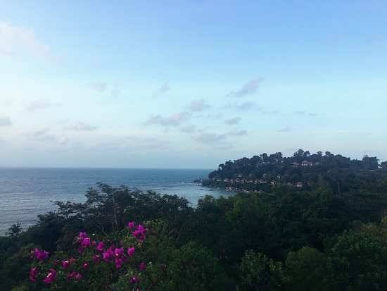 Banyan Tree Bintan: When we stand side by side in our wonderful views...