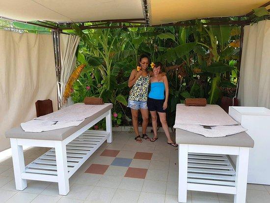 Outdoor Massage in Bali Resort Day Spa