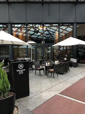 Sheraton Berlin Grand Hotel Esplanade Photo