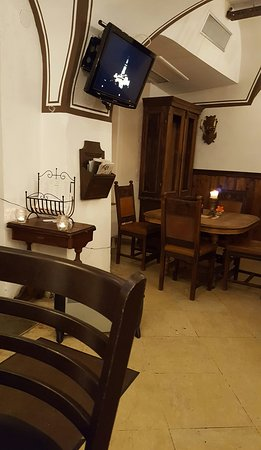 Slovenska Pivnika: Superb bar.