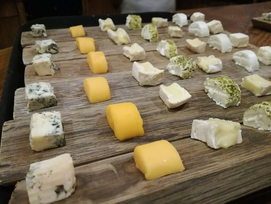 Go Cape Tours: Cheese at Fariview
