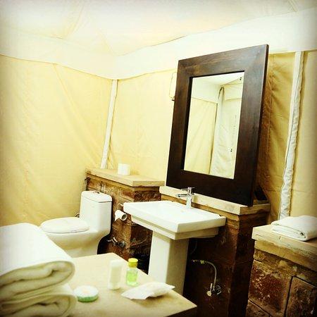 Hariyali Dhani: Deluxe Tent Wash Room