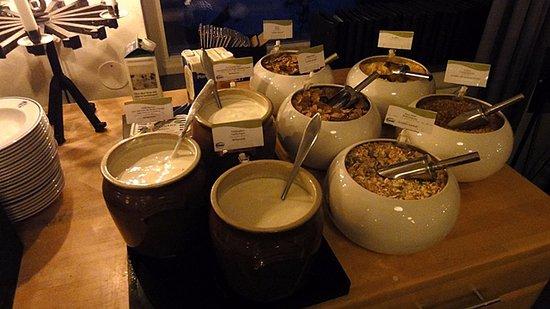 STF Abisko Turiststation: breakfast selection