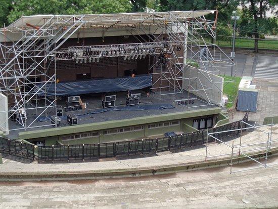 Anfiteatro Municipal Humberto de Nito: Armando el escenario