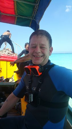 Negril Adventure Divers: Rick getting ready