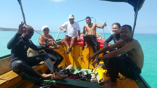 Negril Adventure Divers: The gang