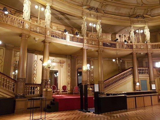 Flemish Opera: foyer