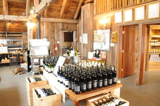 Brome, Canada : wine display