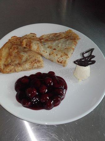 Uffculme, UK: pancake day