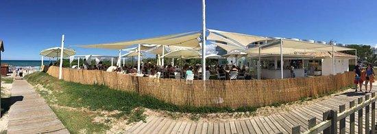 Muro, Espagne : Milano Beach. Beach Club, Restaurante. Terraza. Cockteleria.