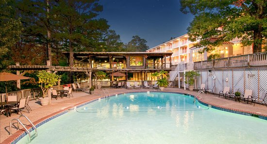 BEST WESTERN Inn of the Ozarks: Outdoor Pool