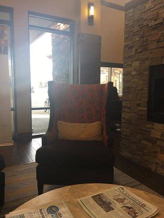 Hampton Inn & Suites Boulder - North : Morning sunshine...