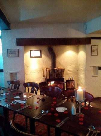 Grewelthorpe, UK: Valentines night by the log burner