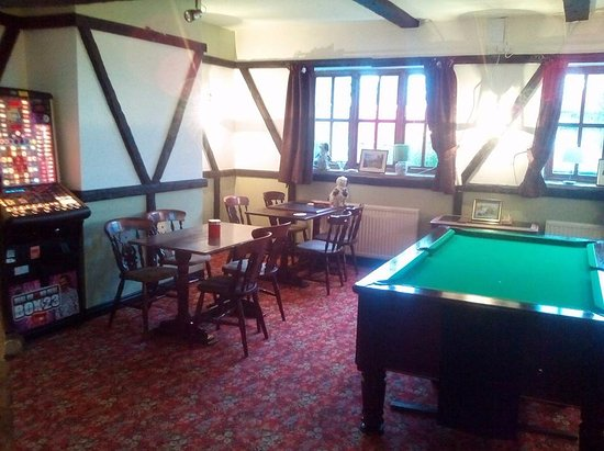 Grewelthorpe, UK: new games room and large pool table 50p