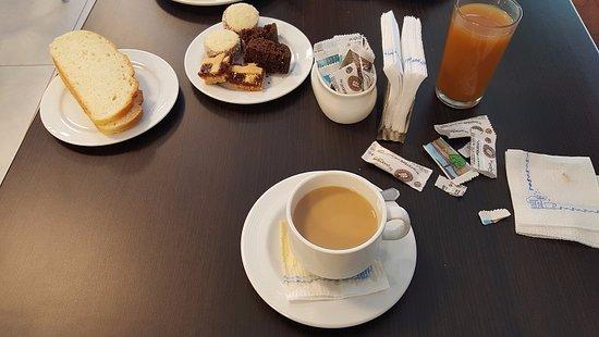 Foto de hotel el cortijo neuqu n mesa desayuno tripadvisor for Mesa desayuno