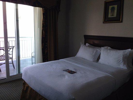 Holiday Inn Hotel & Suites Ocean City: 2 Queen bedroom with balcony