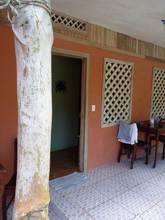 Hotel Don Quichotte: Entrée de la chambre