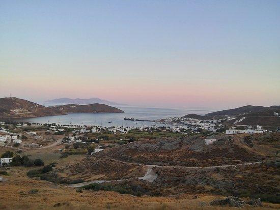 Serifos, Greece: η θέα από το Αλώνι
